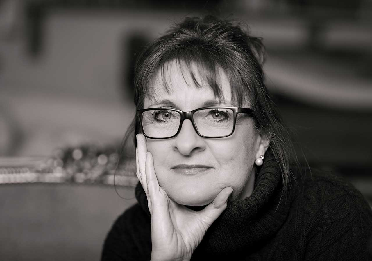 Natalie Chiverton portrait wearing glasses