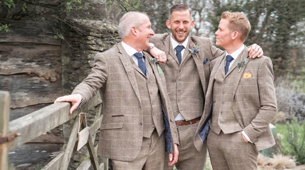Great Tythe Barn Tetbury wedding | Gemma and Simon