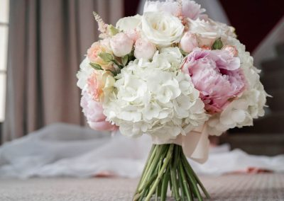 bridal-bouquet-pink-and-white-ponies-and-hygranger