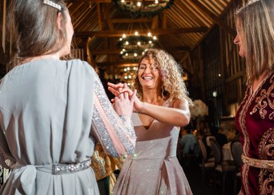 guests-dancing-together-at-venue-essendon-country-club