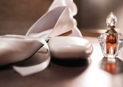 stylish-flat-shoes-bride-wedding-day-ballet