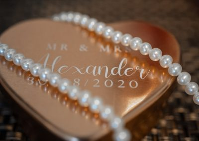 bridal-pearls-on--golden-heart-shape-ring-box