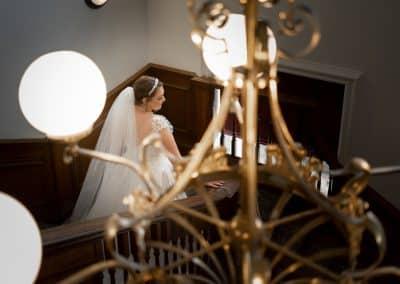 bride-portrait-by-chandelier