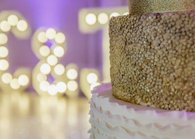 letter-lighting-and-wedding-cake